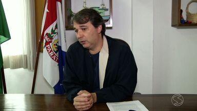 Ministério Público pede bloqueio de bens de prefeito de Paraty, RJ - Ação também inclui outras sete pessoas, entre elas, o ex-secretário de transporte e sócios da empresa Colitur.
