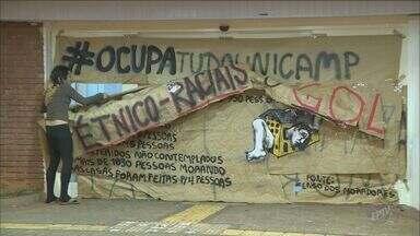 Alunos da Unicamp desocupam o prédio da reitoria 59 dias depois - Eles entraram na administração da universidade no dia 10 de maio.