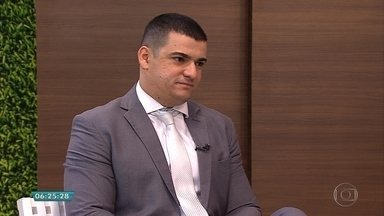 Advogado explica sobre direitos dos empregados em caso de demissão - Entrevista ao vivo no estúdio com Sávio Mares.
