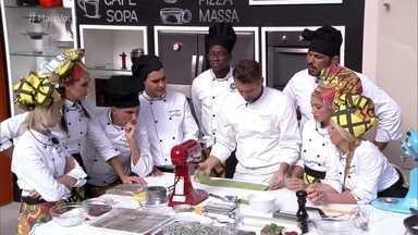 Workshop Massa Fresca Saborizada - Inspirado pela aula do chef Paolo Lavezzini, Minotauro conta que fez massa com bife para treinar em casa