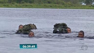 Militares treinam na base da Marinha, no Pantanal de MS - Simulações incluem provas de resistência para operações especiais na fronteira com a Bolívia.