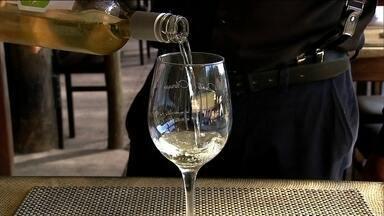São Roque mantém tradição europeia na fabricação do vinho e oferece turismo de aventura - O passeio pela cidade é uma das opções de lazer que o SPTV mostra para curtir as férias.