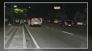 Homem morre ao ser atropelado em faixa de pedestre, em Manaus - Acidente aconteceu na noite desta quarta (6), na Av. Boulevard.