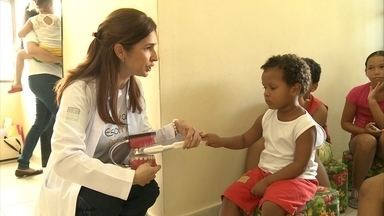 Atendimento de graça leva amor e atendimento médico a moradores do Pina - Voluntários da ONG Caminho do Bem atendem todos os sábados.