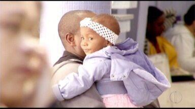 Mães e pais se preocupam com mortes por meningite em Campos dos Goytacazes, no RJ - Cidade registrou 26 casos confirmados até o momento neste ano.