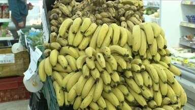 Banana-caturra é o produto mais caro da cesta básica no mês de julho - Banana-caturra é o produto mais caro da cesta básica no mês de julho