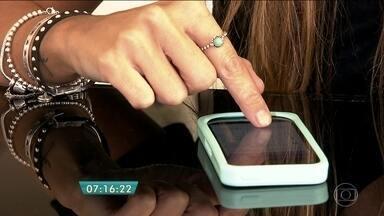 Consumidores usam aplicativos de celular para fazer compras no supermercado e pedir pizza - Aos poucos os aplicativos de celular estão conquistando os consumidores, que trocam a ida ao supermercado ou à pizzaria pelas compras on-line.