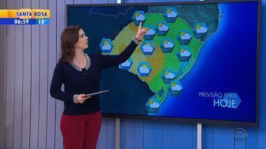Tempo: sol aparece acompanhado de nuvens no RS nesta terça (12) - Alguns pontos do estado têm risco de chuva isolada.