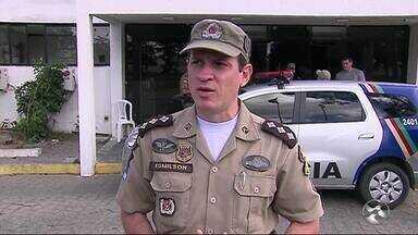 Pessoas reclamam da dificuldade de atendimento no 190, da Polícia Militar - Principal queixa é de que quando liga para o 190, a ligação cai no Recife.