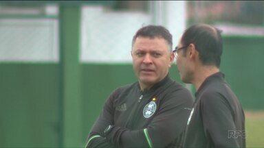 Coritiba não está definido pra enfrentar o Atlético-MG - Alviverde segue treinamentos e Pachequinho tem dúvidas na montagem do Coritiba que vai ter um difícil confronto com o Galo, segunda-feira (18), no Independência