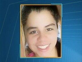Jovem de 19 anos é morta a facadas pelo ex-companheiro - Após assassinar a vítima, autor fugiu e pediu uma pizza.