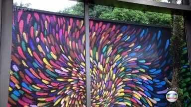 Telão do 'Encontro': Roberto Bieto exibe trabalhos no programa - Grafiteiro mistura técnicas de luz e cores