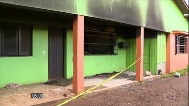 Incêndio em clínica de reabilitação para dependentes químicos no RS mata 7 e fere 11 - Polícia investiga as causas do acidente. O instituto geral de perícias vai verificar se o prédio seguia as normas de prevenção de incêndios.