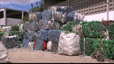 Indústrias de Campina sentem impacto do racionamento de água - As industrias devem continuar fazendo o reuso da água do açude de Boqueirão, receber carros-pipa e perfurar poços.