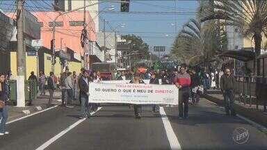 Guardas Municipais de Campinas protestam por falta de estrutura e assédio moral - Cerca de 60 guardas se reuniram no centro da cidade na manhã desta sexta-feira (22).