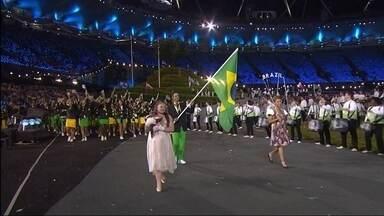 Quem deve ser o porta-bandeira do Brasil na abertura da Olimpíada? Vote! - O COB indicou três medalhistas: Robert Scheidt, Serginho e Yane Marques. O mais votado pelo público será conhecido no próximo dia 31, no Fantástico.