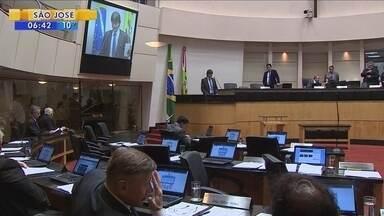 Tradicional recesso é cancelado e deputados antecipam trabalho no Plenário - Tradicional recesso é cancelado e deputados antecipam trabalho no Plenário