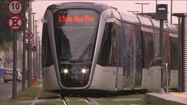 VLT tem problemas operacionais que dificultam vida de passageiros, no RJ - Uma queda de energia fez com que o sistema parasse nesta semana. Além disso, houve problema na recarga de bilhetes.