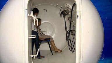 Tratamento em câmara hiperbárica ajuda a curar ferimentos - Tratamento em câmara hiperbárica ajuda a curar ferimentos.