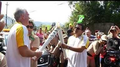 Tocha olímpica segue para Cachoeiras de Macacu percorrendo a região serrana do Rio - Após passar por Petrópolis, tocha da Olimpíada 2016 sobe a serra no Rio de Janeiro até chegar em Nova Friburgo