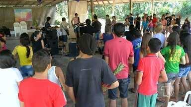 Igreja da Restauração realiza programação especial para adolescentes da congregação - Adolescentes aproveitaram últimos dias de férias com muita diversão e louvor.