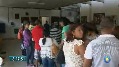 Servidores do Hospital Universitário de João Pessoa suspendem paralisação - Apesar de muitas filas, os serviços voltaram ao normal hoje.