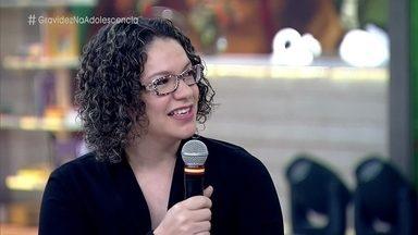 Professora do Piauí faz trabalho de conscientização sobre gravidez na adolescência - Alunos tiveram que cuidar de um pintinho durante as férias. Experiência mostrou aos adolescentes que cuidar de um filho dá trabalho e exige responsabilidade