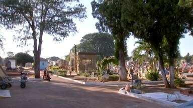 Ladrões levam objetos de funcionários de cemitério em Campo Grande - Na madrugada desta segunda-feira (1º), ladrões invadiram e levaram objetos dos funcionários do cemitério Santo Antônio, na capital sul-mato-grossense.