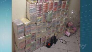 Quase 400 kg de cocaína foram encontradas no Porto de Santos - A droga estava em sacolas e foi encontrada pela Polícia Federal em um navio atracado no lado de Guarujá.