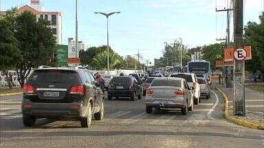 Com volta às aulas, trânsito de Fortaleza fica mais denso - Com volta às aulas, trânsito de Fortaleza fica mais denso