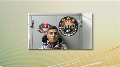 Preso suspeito de ser mandante do sequestro de sogra de chefe da Fórmula 1 - A polícia prendeu ao terceiro suspeito apontado como mandante do sequestro da sogra do chefe da Fórmula 1, é um piloto de helicóptero que prestava serviço para a família. A mulher foi libertada ontem, em São Paulo, depois de nove dias no cativeiro.