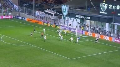 Santa Cruz volta para a zona de rebaixamento do Brasileirão - Sport tá em 12ª posição na Série A.