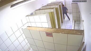Câmeras de segurança em banheiros de escola causam polêmica em Maringá - Direção diz que medida visa combater atos de vandalismo