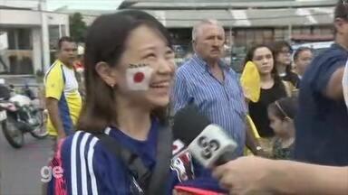 Torcedora japonesa mostra animação antes de jogo - Nigéria enfrenta o Japão na Arena da Amazônia.
