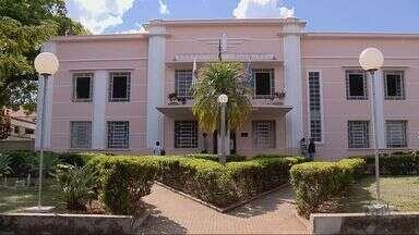 Justiça determina que prefeitura limpe lotes com focos de dengue em Alfenas (MG) - Justiça determina que prefeitura limpe lotes com focos de dengue em Alfenas (MG)