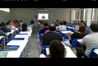 Mesários passam por treinamento em Ipatinga - Voluntários foram orientados pelo Cartório Eleitoral.