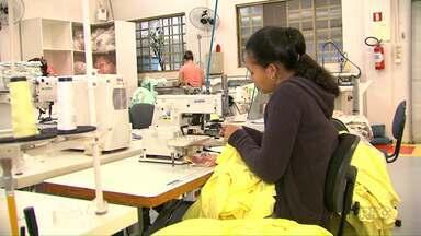 Fábricas de confecção apostam tudo na produção de peças para o verão - A estação mais quente do ano é a que mais vende