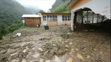Passagem de uma tempestade tropical provoca tragédia no México - Quarenta pessoas já morreram, vítimas de deslizamentos de terra e de desabamentos.