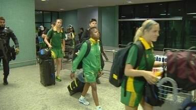 Delegação feminina da África do Sul chega em Manaus - Equipe sul-africana veio do Rio de Janeiro, depois da derrota por 2 a 0 para a China.