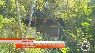 Construções irregulares são autuadas em São Sebastião - Fiscalização aconteceu nesta quarta-feira.