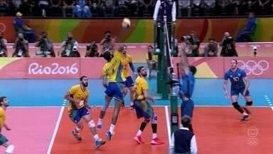 Brasil derrota Argentina e pega a Rússia na semifinal do vôlei masculino - Brasil derrota Argentina e pega a Rússia na semifinal do vôlei masculino