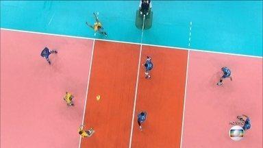 Seleção masculina de vôlei disputa semifinal contra a Rússia nesta sexta (19) - A seleção masculina de vôlei vai disputar a semifinal contra a Rússia nesta sexta (19) no Maracanãzinho.
