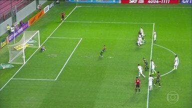 Chapecoense vence América-MG na abertura da 20ª rodada do Brasileirão - O América Mineiro recebeu a Chapecoense e foi derrotado de virada com um gol no final do jogo.
