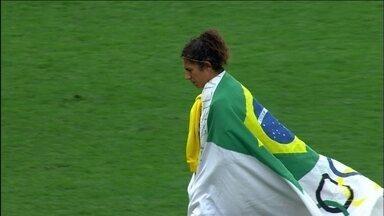 Brasil perde para o Canadá e não fica com o bronze no futebol feminino - O time do futebol feminino, com a garra que tanto encantou a torcida no início do torneio, despediu-se sem medalha da Olimpíada do Rio.