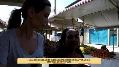 Ana Furtado acompanha dona de casa na busca por promoções - Lília faz compras no supermercado mais de uma vez ao dia procurando pelo melhor preço