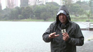 Londrina registra em 24 horas quase a metade da chuva esperada para agosto - A média do mês é de 48,6 milímetros.