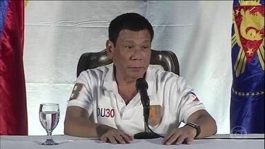 Governo das Filipinas manda viciados matarem traficantes - Rodrigo Duterte, presidente filipino, pede que viciados matem traficantes. Medida é aprovada pela população, mas é alvo de protestos da ONU.
