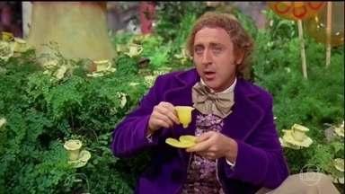 """Gene Wilder, ator que deu vida a Willy Wonka no cinema, morre aos 83 anos - Além de interpretar o personagem de """"A Fantástica Fábrica de Chocolates"""", o ator americano participou de clássicos como """"O Jovem Frankenstein""""."""