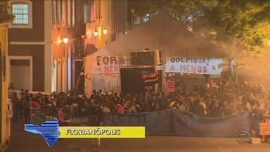 Giro de notícias: manifestantes fazem ato contra impeachment em Florianópolis - Giro de notícias: manifestantes fazem ato contra impeachment em Florianópolis