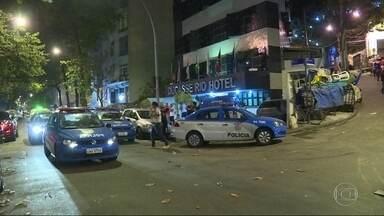 Tiroteio no Pavão- Pavãozinho, em Copacabana, assusta moradores da região - Uma moradora do bairro registrou o som da intensa troca de tiros. De acordo com a PM, não houve feridos e ninguém foi preso.